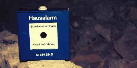 Hausalarm- anlagen auf allen Fluren!